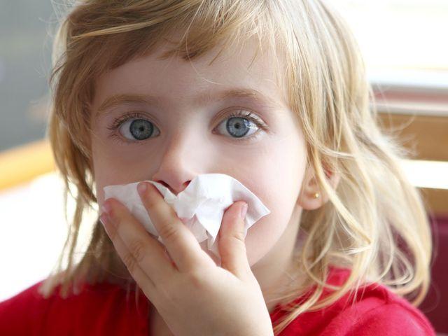 густые белые сопли у ребенка 2 лет