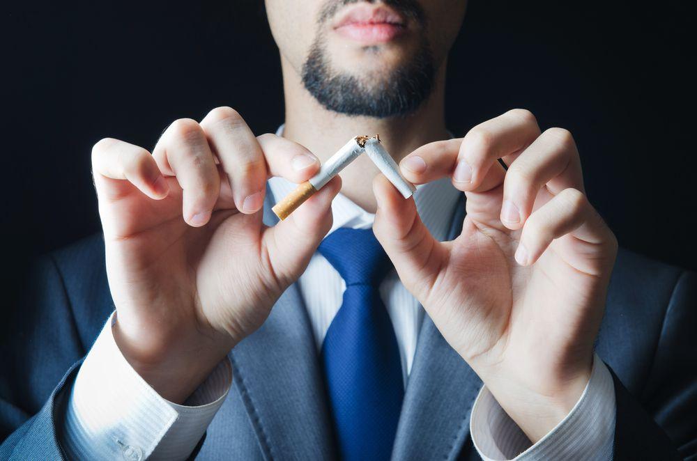 Курение уменьшает размер пениса на сантиметр – ученые