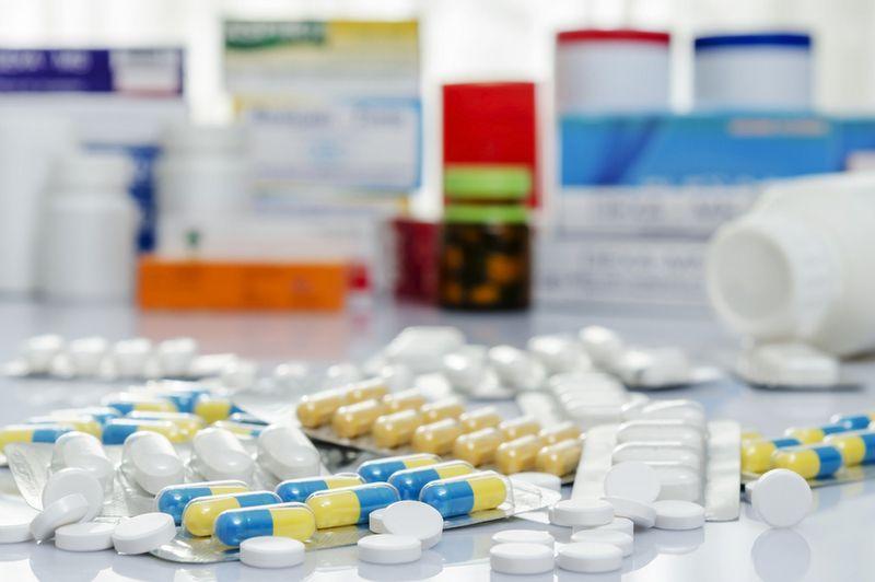 Женщины чаще сталкиваются с побочными эффектами от лекарств – исследование