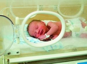 Недоношенные дети имеют особые отклонения в строении мозга