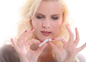 Курение увеличивает риск рака груди у молодых женщин