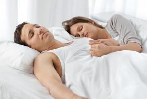 Почему люди дергаются когда засыпают