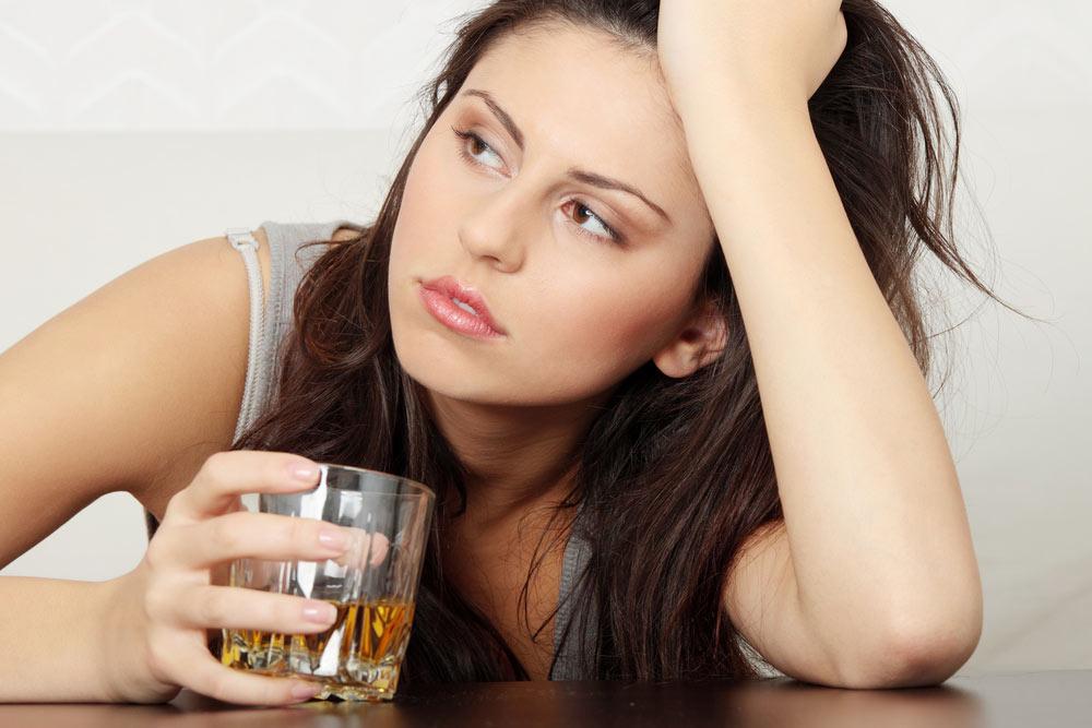 связь областями головного мозга формирует алкоголизм
