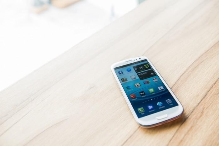 женщины чаще мужчин имеют зависимость смартфонов