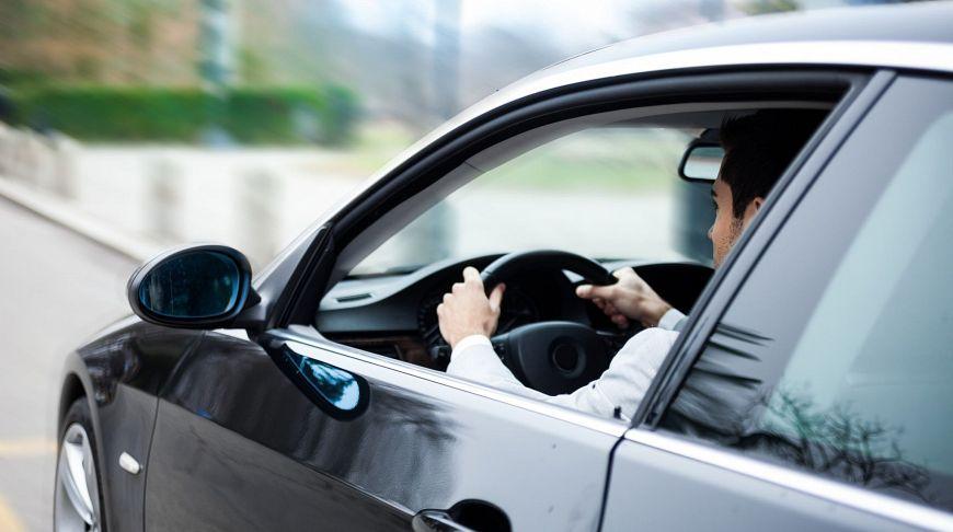 установлен возраст наиболее опасный водителей