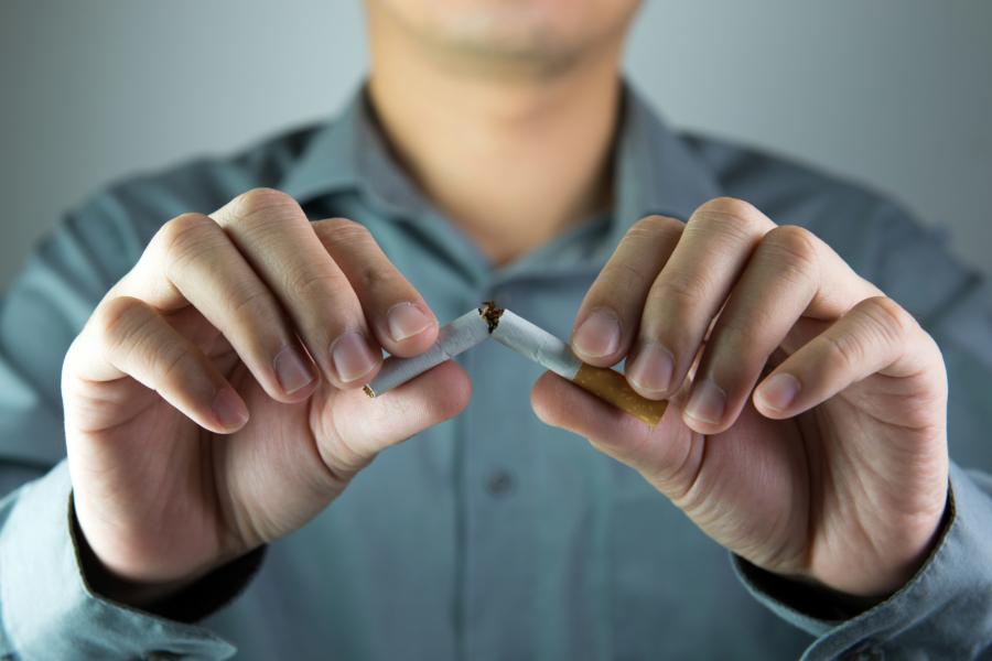 эксперты рассказали бросать курить