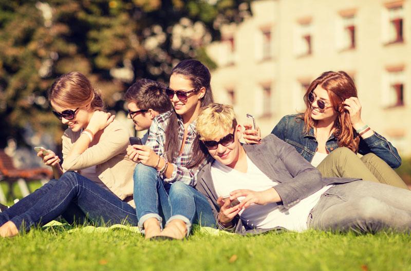 социальные сети повышают риск депрессии доказали ученые